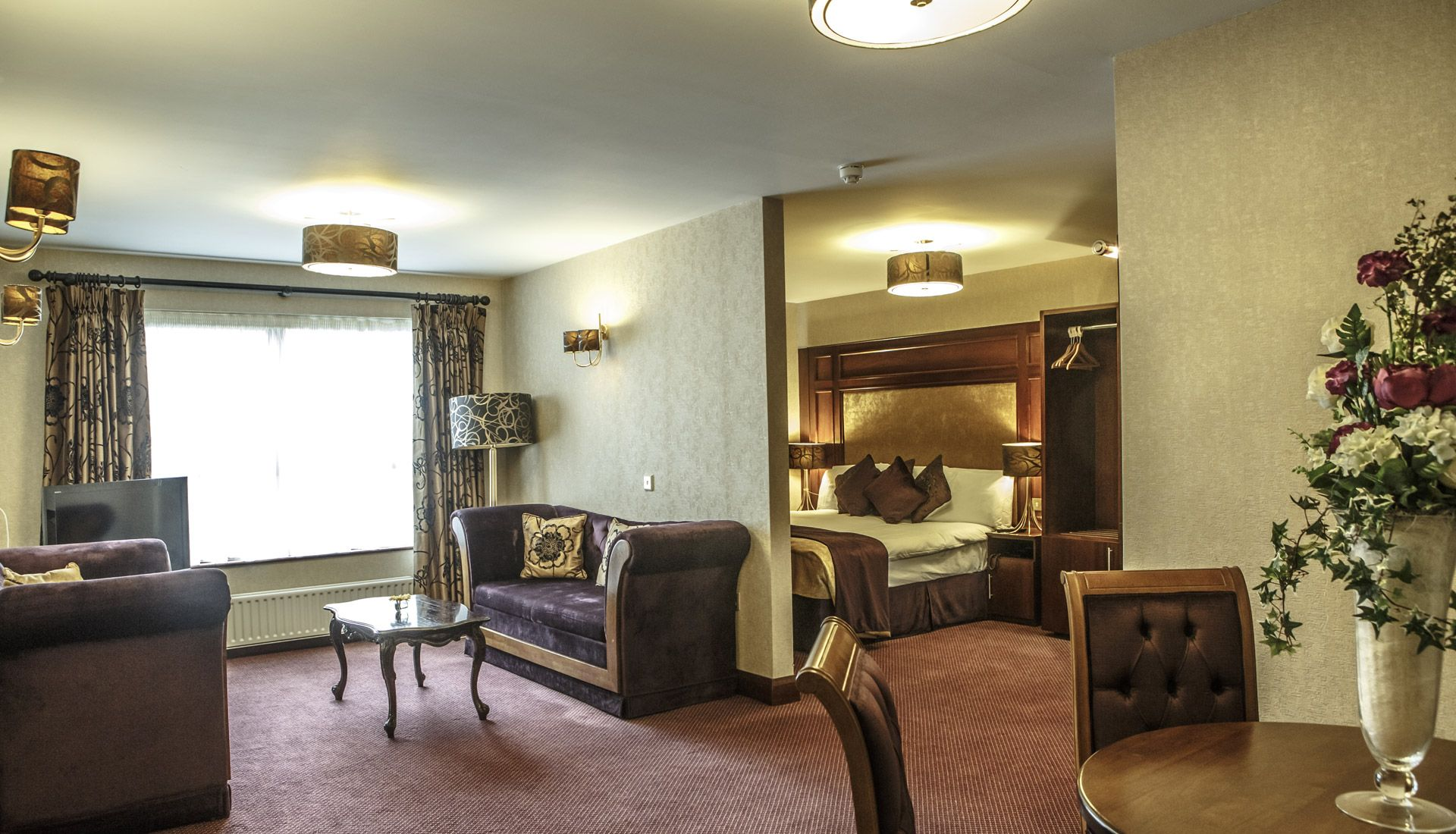mount-errigal-hotel-master-suite-01 1